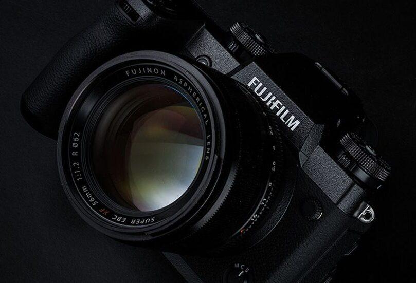 Fujifilm X-H2 by se měl s novým snímačem X-Trans utkat s Canonem EOS R5
